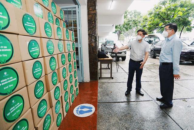 100.000 lọ thuốc đặc trị Covid-19, sản xuất bởi hãng dược lớn nhất thế giới đã về đến Việt Nam - ảnh 1