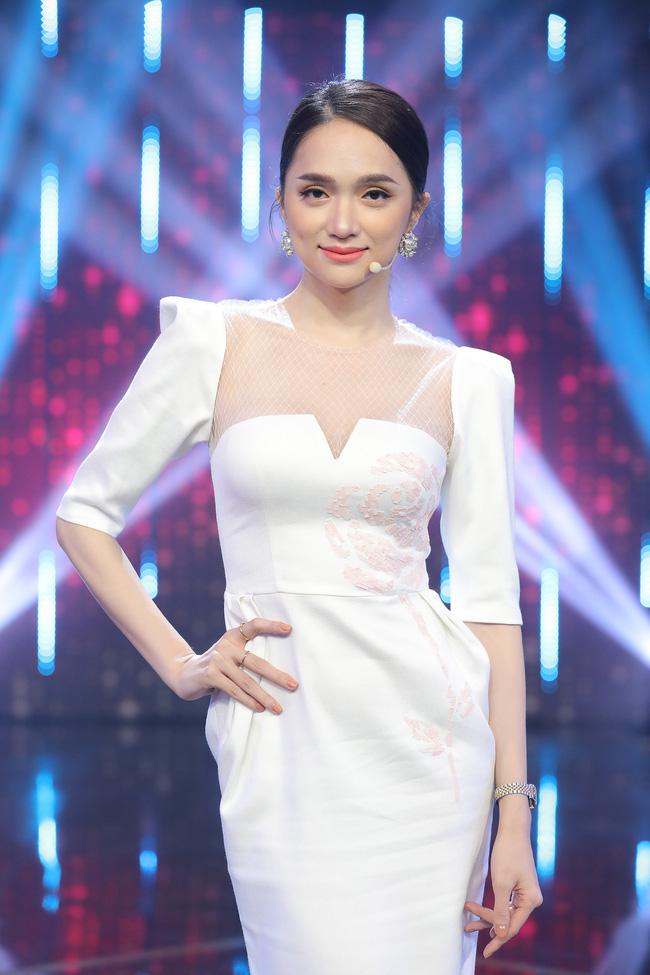 Khi váy áo được mỹ nhân Việt mặc hôm nay, hôm sau bán đầy ngoài chợ... - ảnh 6