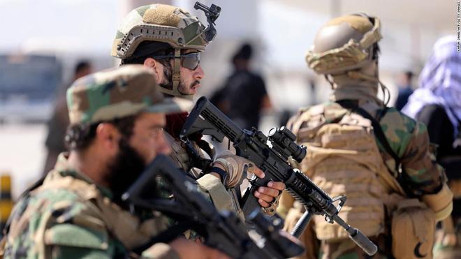 Họ sẽ săn lùng chúng tôi: Cơn ác mộng có thật của người đồng tính tại Afghanistan dưới thời Taliban - ảnh 2