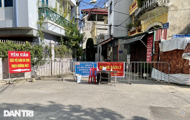 Diễn biến dịch ngày 18/9: Ổ dịch mới nhất ở Long Biên đã có 7 ca mắc COVID-19; TP.HCM phát hiện 135 người là F0 qua chốt kiểm soát - Ảnh 1.
