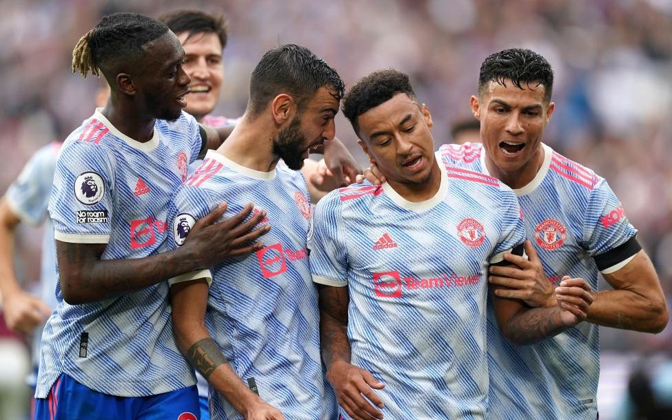 """KỊCH TÍNH HẾT NẤC: Ronaldo lại """"nổ súng"""" nhưng MU phải nhờ đến màn tỏa sáng của 2 nhân tố bất ngờ để giành 3 điểm ở những phút cuối cùng"""