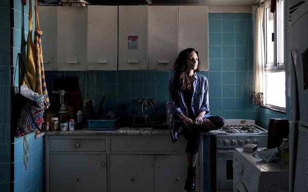 Giấc mơ mua nhà xa tầm tay với hầu hết người trẻ: Chi phí thuê nhà chiếm 30, 40% thu nhập, có thể sẽ xuất hiện một thế hệ phải 'đi thuê cả đời' - ảnh 1