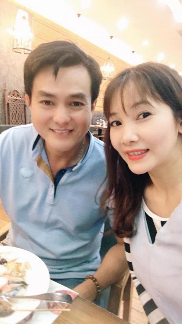 Vợ kém 8 tuổi, kín tiếng của Cao Minh Đạt - cậu Ba Duy khét tiếng trong Tiếng sét trong mưa - ảnh 1