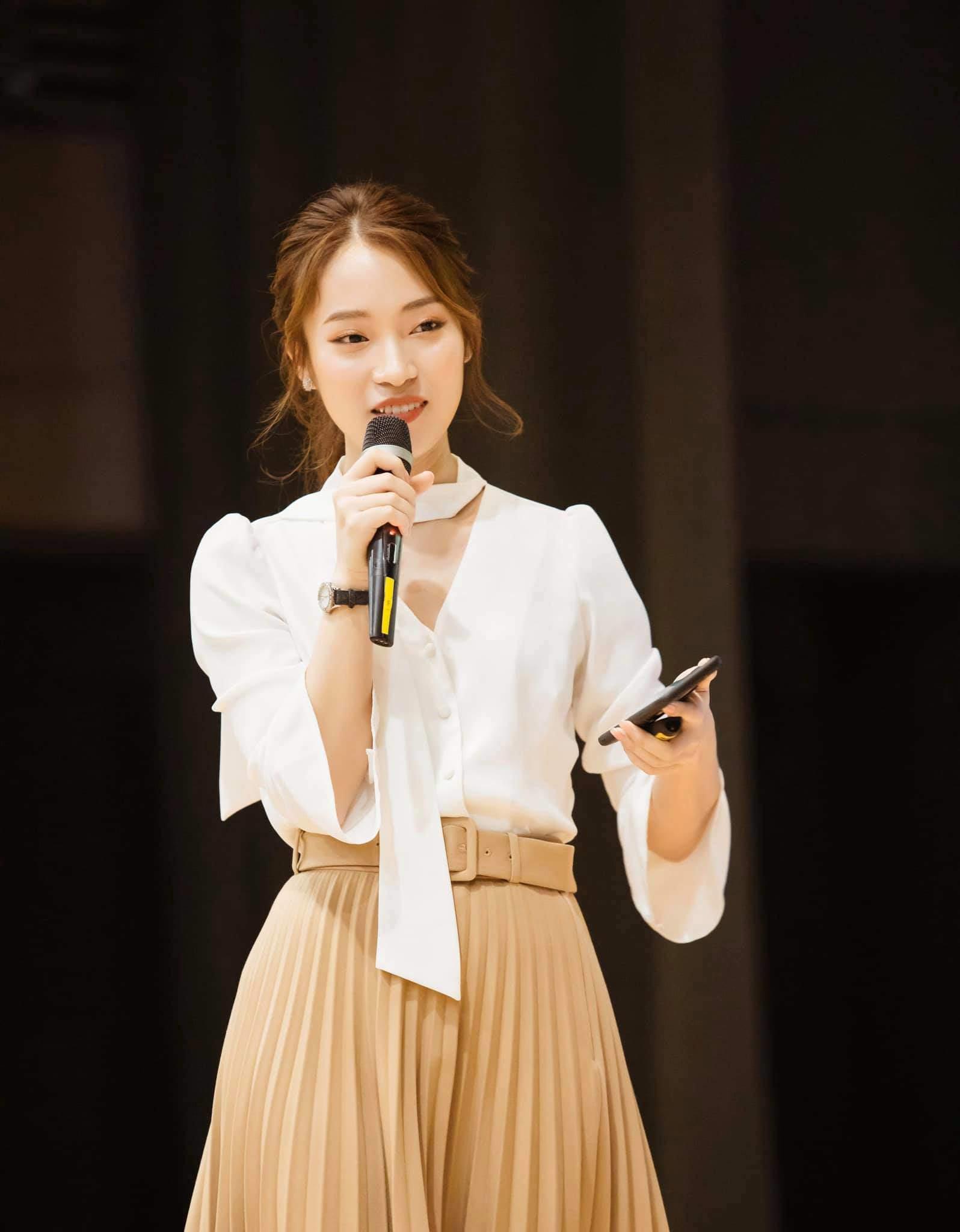 NÓNG: Khánh Vy trở thành MC chính thức của Đường Lên Đỉnh Olympia? - Ảnh 3.