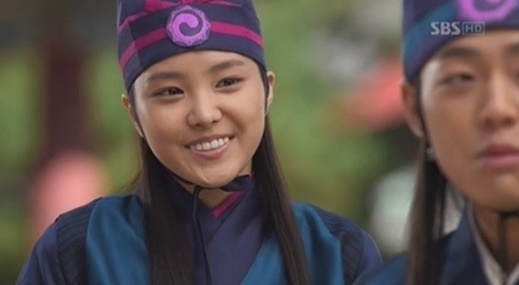 6 sao Hàn khiến fan năn nỉ đừng đóng cổ trang: Lee Min Ho đẹp cỡ nào cũng thấy sai, Park Seo Joon bị gọi là thảm họa - Ảnh 7.
