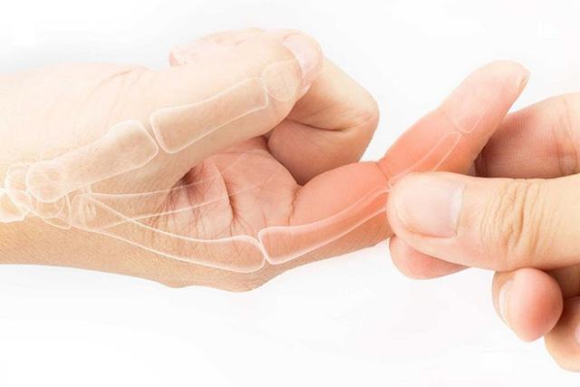 Nắm chặt tay 30 giây, biết rõ tình trạng sức khoẻ: Đau ngón cái liên quan tới phổi, đau ngón giữa rất có thể tim bạn có vấn đề - ảnh 2