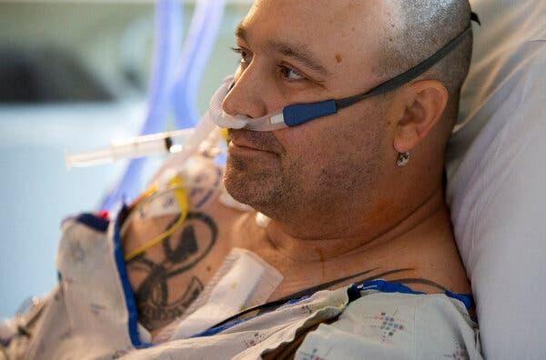 Sự tuyệt vọng của những bệnh nhân không mắc Covid-19 giữa đại dịch ở Mỹ: Đối mặt với cái chết vì bị hoãn điều trị, dời lịch phẫu thuật - ảnh 1
