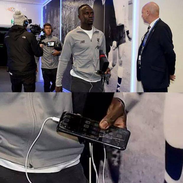 Kiếm bộn tiền mỗi năm nhưng các siêu sao bóng đá này vẫn dùng smartphone loại cũ, máy nghe nhạc 'đời Tống' - ảnh 5