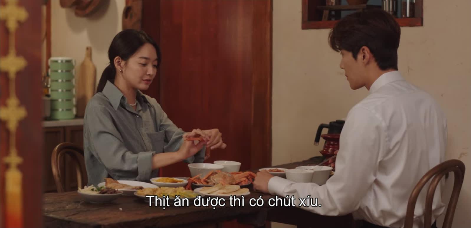 Shin Min Ah vừa tỏ tình, Kim Seon Ho đã đáp lễ bằng nụ hôn ngọt lịm ở Hometown Cha-Cha-Cha tập 10 - Ảnh 7.