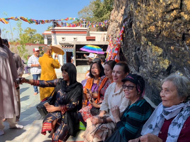 Chuyến du lịch đặc biệt nhất trong đời của Phi Nhung: Không resort 5 sao, chỉ có tình yêu thương và hành động đẹp làm khán giả nhớ mãi - Ảnh 3.