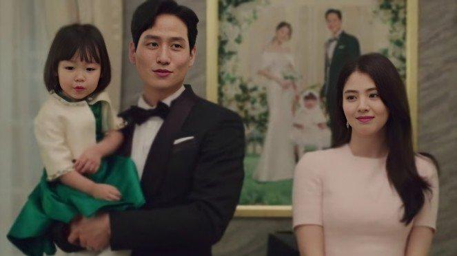 Lạ đời 2 sao nhí phim Hàn bị chỉ trích vì trông lớn xác: Sốc xỉu khi ác nữ Penthouse Kim So Yeon cũng góp mặt - Ảnh 2.