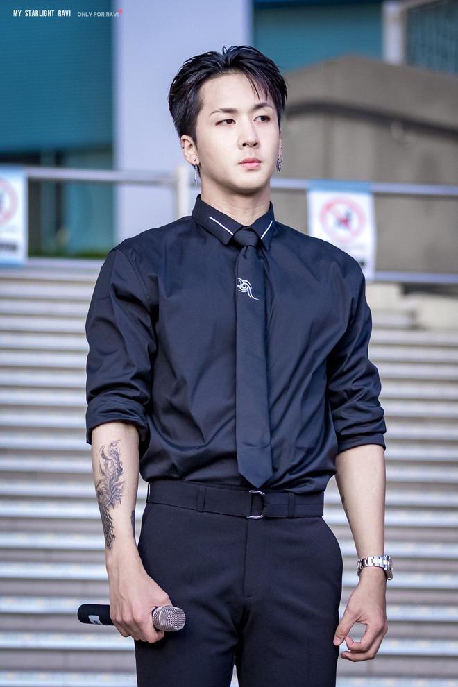 Bạn trai HyunA và cầu thủ nổi tiếng Son Heungmin chuyển nghề làm phụ hoạ cho Lisa? Chuyện sốc vậy mà không ai biết! - ảnh 7