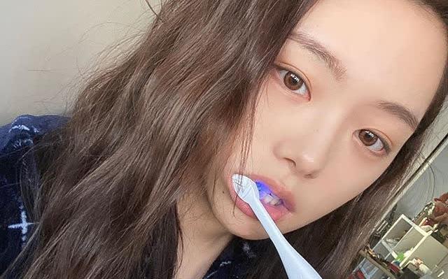 6 thói quen xấu khiến bàn chải đánh răng trở thành ổ vi khuẩn, 3 tín hiệu cho thấy đã đến lúc bạn cần thay bàn chải mới
