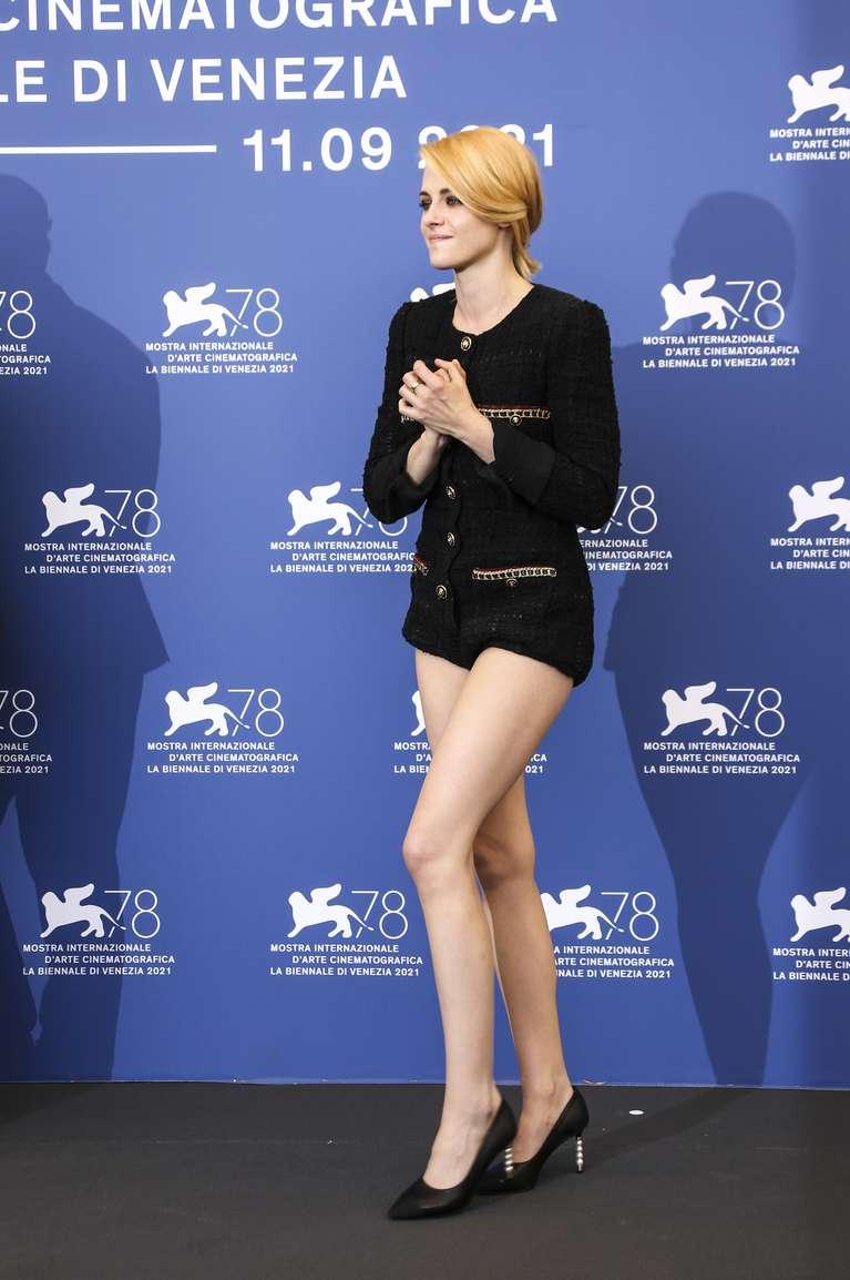 Kristen Stewart (Chạng Vạng) diện đồ hiệu khoe chân dài miên man, visual cực phẩm như phát sáng giữa LHP Venice - Ảnh 6.