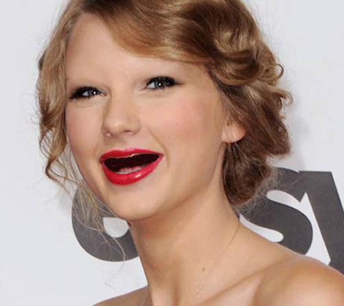 Taylor_Swift_Without_Eyebrows_and_Teeth-cf268