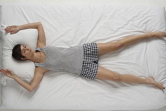 Kết quả hình ảnh cho đau lưng khi nằm