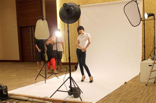 Thùy Trang tự tin tại họp báo Asia's Next Top Model 5