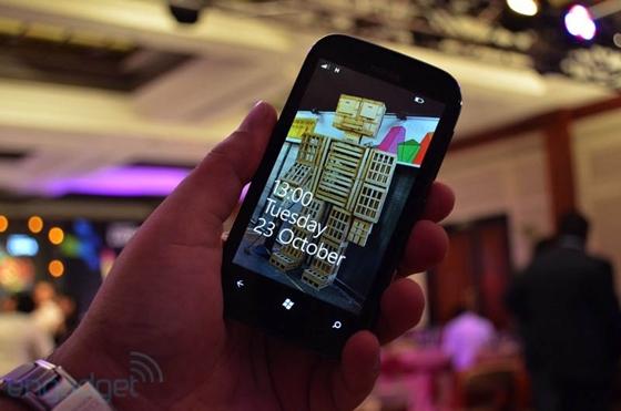 Nokia cho ra mắt sản phẩm Lumia giá rẻ mới 8