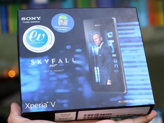 """Trên tay Sony Xperia V - smartphone chống nước """"đỉnh"""" 1"""