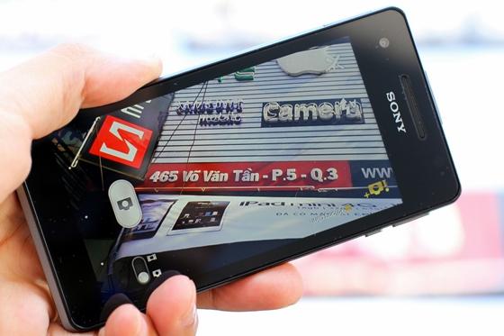"""Trên tay Sony Xperia V - smartphone chống nước """"đỉnh"""" 15"""