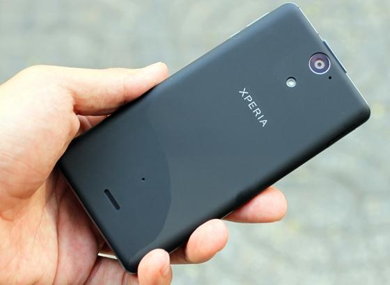 """Trên tay Sony Xperia V - smartphone chống nước """"đỉnh"""" 7"""