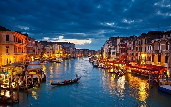 Kết quả hình ảnh cho Venice về đêm