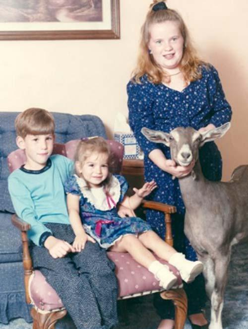Ảnh vui về động vật len lỏi trong các bức hình gia đình