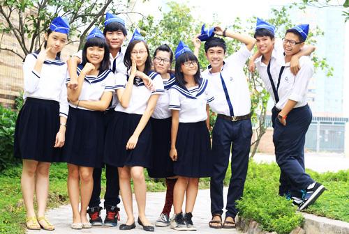 Teen Lương Thế Vinh khoe đồng phục thuỷ thủ