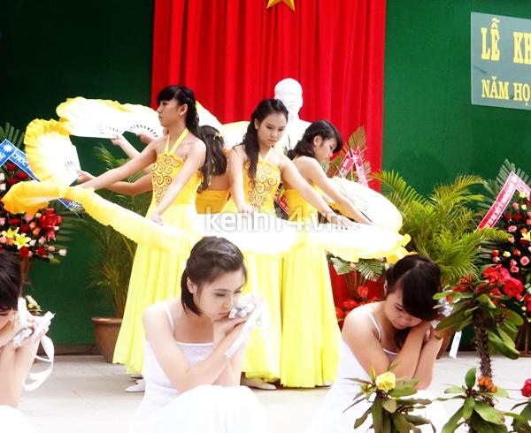 tung-bung-le-khai-giang-cua-teen-thang-long-da-lat