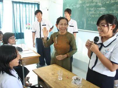 Học sinh có nên bình luận về thầy cô trên Facebook? 4