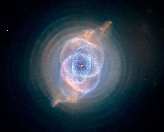 hubblesstrangespiralcatseyenebula25773600x450.jpg