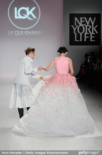Tuyết Lan làm vedette trong show của Lý Quí Khánh tại New York Fashion Week 2015 3