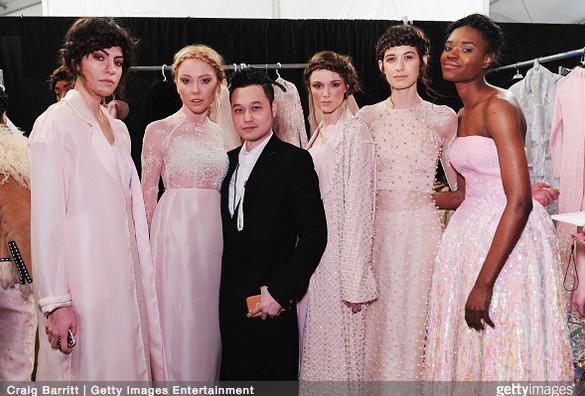 Tuyết Lan làm vedette trong show của Lý Quí Khánh tại New York Fashion Week 2015 6