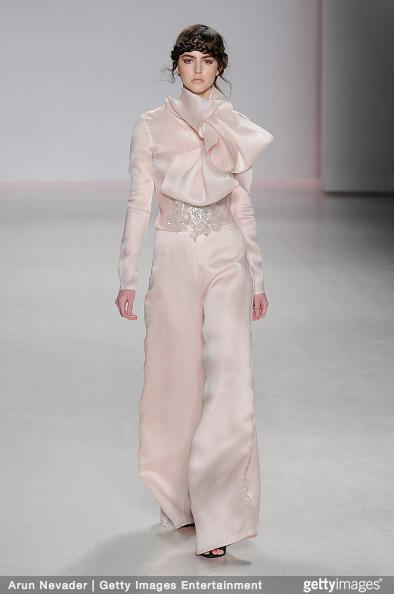 Tuyết Lan làm vedette trong show của Lý Quí Khánh tại New York Fashion Week 2015 10