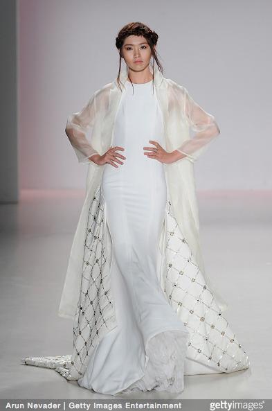 Tuyết Lan làm vedette trong show của Lý Quí Khánh tại New York Fashion Week 2015 13