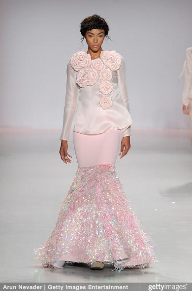 Tuyết Lan làm vedette trong show của Lý Quí Khánh tại New York Fashion Week 2015 14