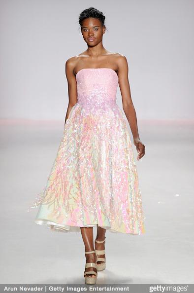 Tuyết Lan làm vedette trong show của Lý Quí Khánh tại New York Fashion Week 2015 17