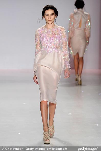 Tuyết Lan làm vedette trong show của Lý Quí Khánh tại New York Fashion Week 2015 24