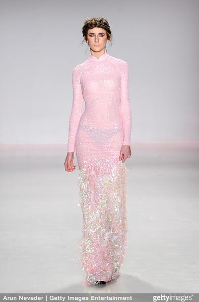 Tuyết Lan làm vedette trong show của Lý Quí Khánh tại New York Fashion Week 2015 25