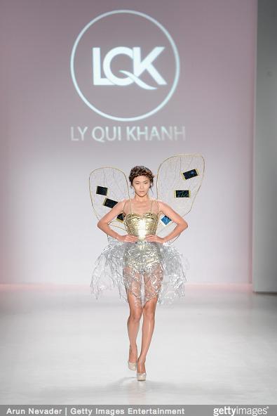 Tuyết Lan làm vedette trong show của Lý Quí Khánh tại New York Fashion Week 2015 29