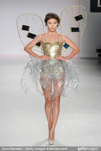 Tuyết Lan làm vedette trong show của Lý Quí Khánh tại New York Fashion Week 2015 30