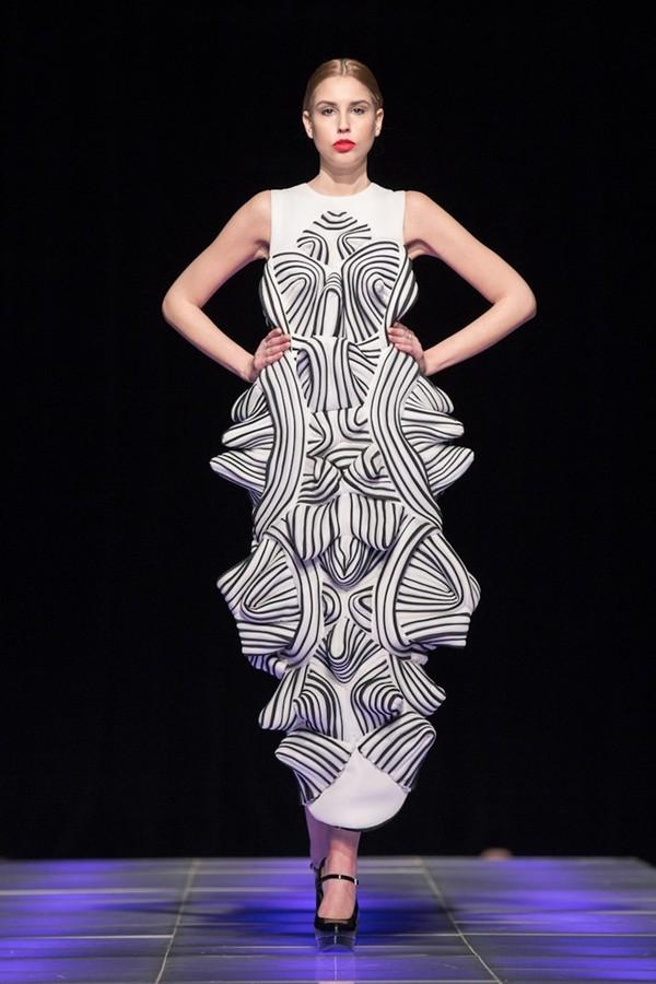 Tuyết Lan làm vedette trong show của Lý Quí Khánh tại New York Fashion Week 2015 36