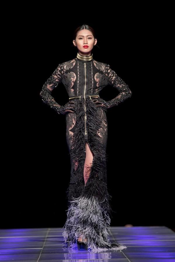 Tuyết Lan làm vedette trong show của Lý Quí Khánh tại New York Fashion Week 2015 44