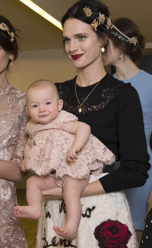 Dolce & Gabbana gây ấn tượng với show diễn toàn em bé 5