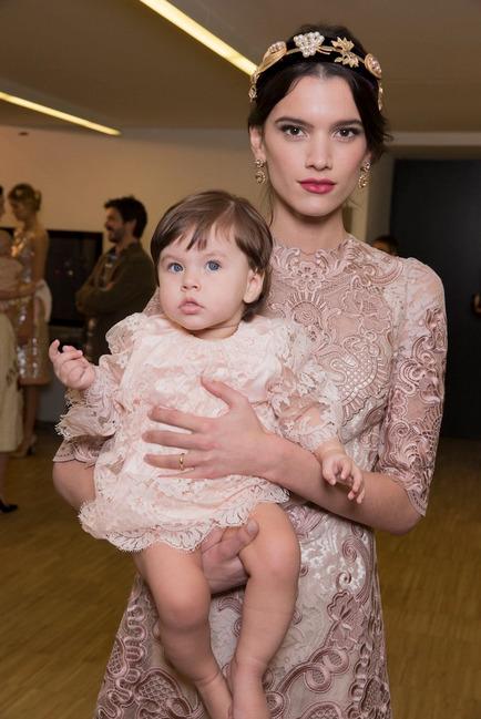 Dolce & Gabbana gây ấn tượng với show diễn toàn em bé 7