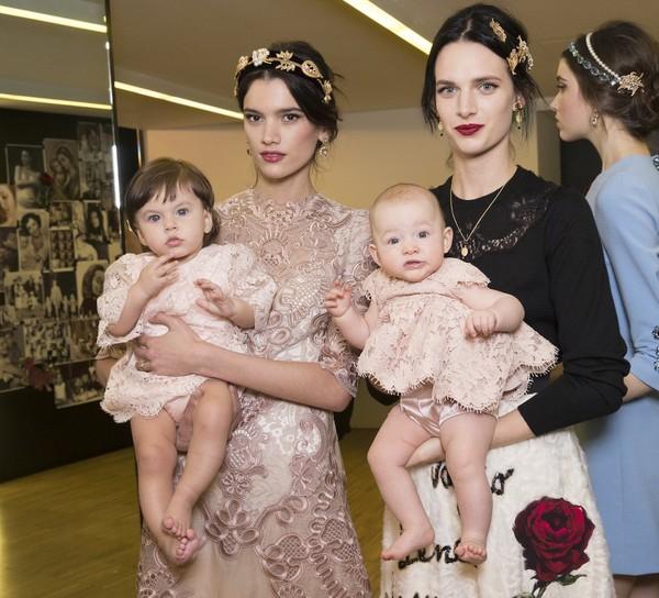 Dolce & Gabbana gây ấn tượng với show diễn toàn em bé 10