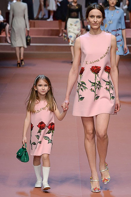 Dolce & Gabbana gây ấn tượng với show diễn toàn em bé 16
