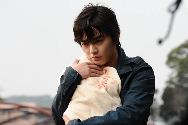 Phim tập hợp dàn diễn viên tài năng của Nhật Bản: Shota Sometani, Ai  Hashimoto, Sadao Abe (lồng tiếng Migi), Tadanobu Asano, Kazuki Kitamura,  Eri Fukatsu, ...