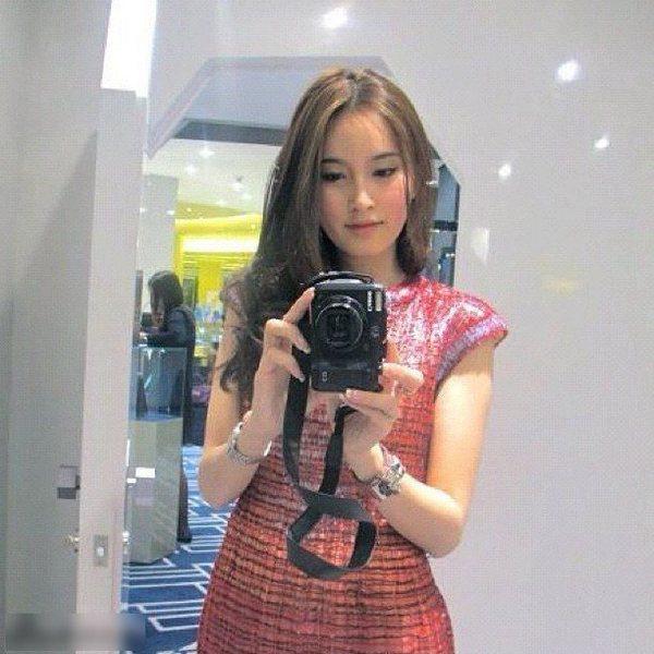 Nong Poy - cô gái chuyển giới xinh đẹp nhất thế giới