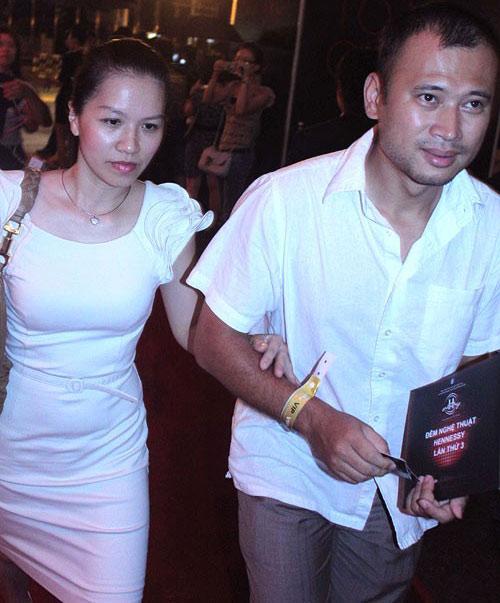 MC Long Vũ và chuyện chưa kể về người vợ kín tiếng suốt 20 năm.2